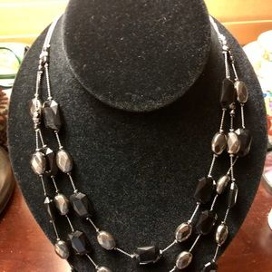 Jewelry - Beautiful grey and black necklace